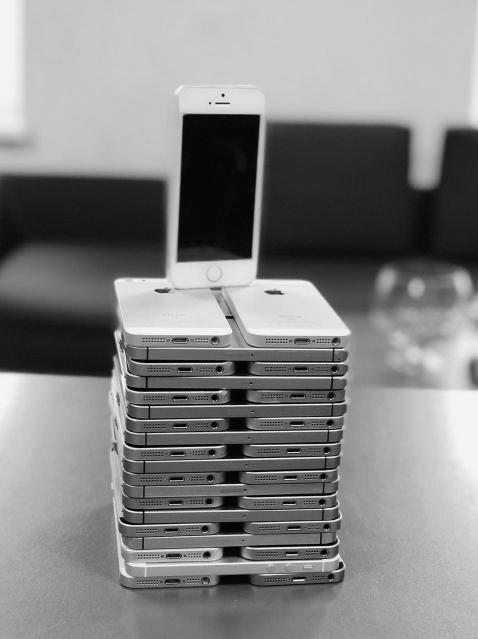 Apple telefonai visiems, platus pasirinkimas